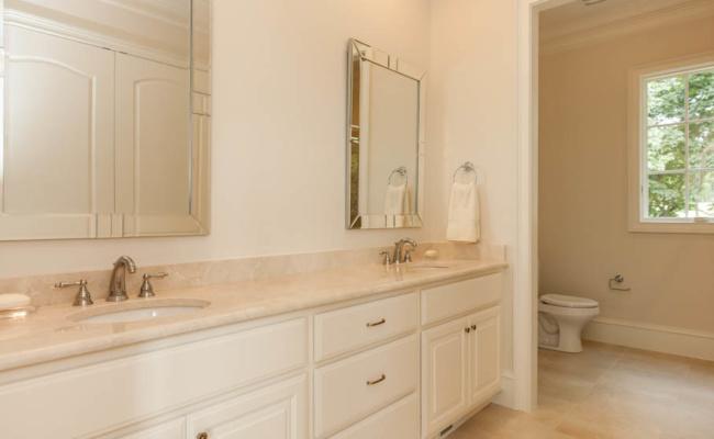 022_Guest Suite Bath